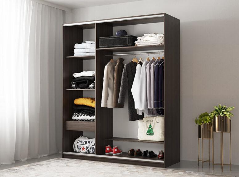 Komfort - trijų durų spintos vidus. Spinta su veidrodziu ir stumdomimis durimis, 180 cm plocio - tamsiai rudos venge spalvos