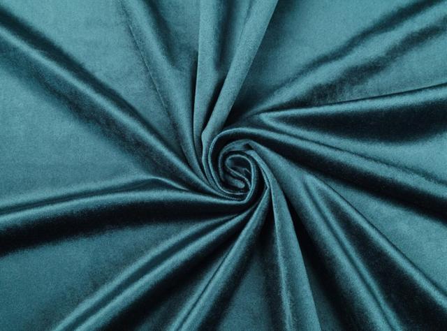 Mėlynos spalvos švelnus veliūras lovoms, gaminamoms paal individualų užsakymą.