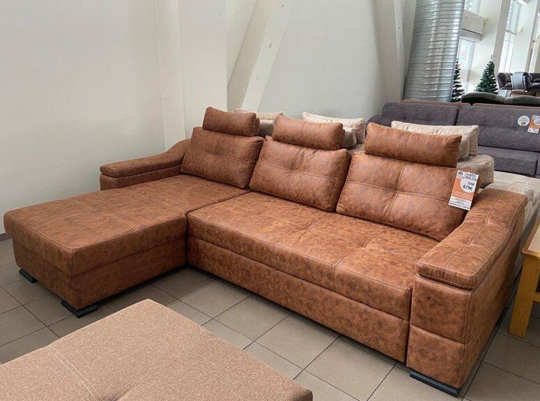 Aukštos kokybės, elegantiškas, cinamono rudos spalvos eko odos minkštas kampas su erdvia miegamąja dalimi