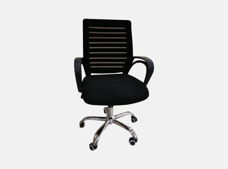 Juodos spalvos darbo kėdė Flesh su ratukais ir tiltiniu mechanizmu