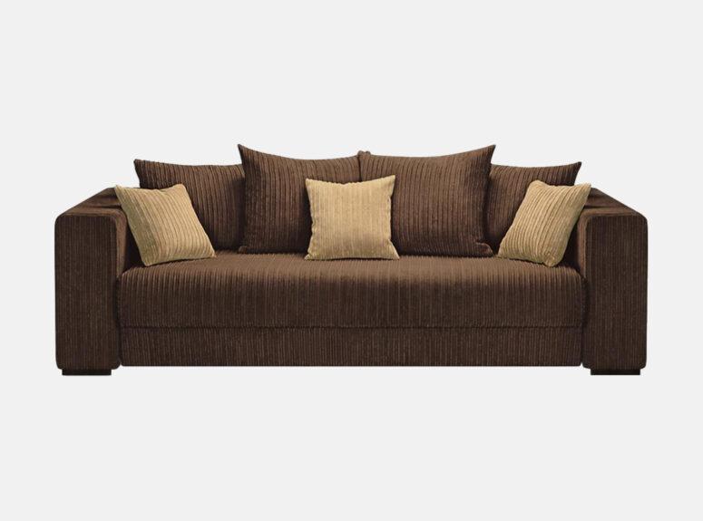 Grand - labai minkšta, didelė, erdvi tamsiai rudos spalvos sofa-lova, pagaminta iš velvetinio, švelnaus, vandeniui atsparaus audinio. Sofa su dekoratyvinėmis šviesiai rudomis pagalvėlėmis.
