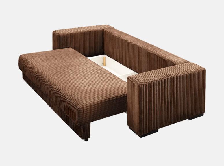 Didelė erdvi rudos spalvos sofa-lova, pagaminta ių velvetinio šviesaus audinio, su didele patalynės dėže