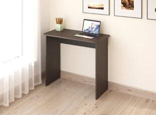 Mažas, minimalistinio dizaino, tamsiai rudos spalvos darbo stalas