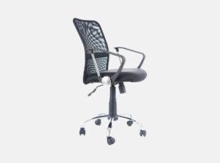 Juodos spalvos reguliuojamo aukščio darbo kėdė su porankiais ir ratukais